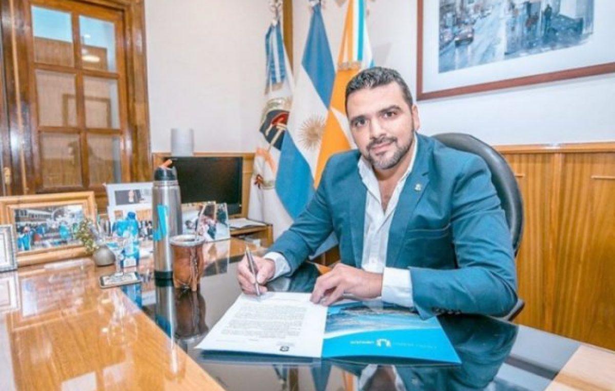 Se firmó en Ushuaia el decreto por el bono de 6 mil pesos