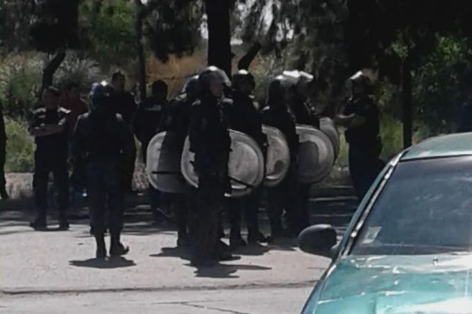 Trabajadores de Cresta Roja fueron reprimidos por la policía mientras reclamaban por ser reincorporados