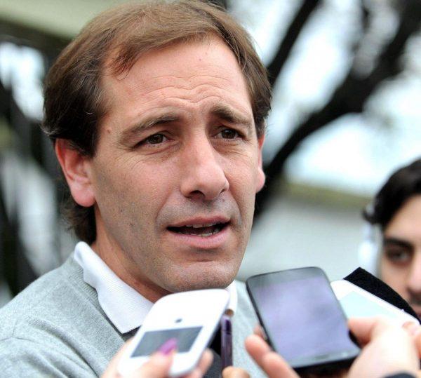 Municipales se movilizan contra la suba salarial del 5% del intendente de La Plata
