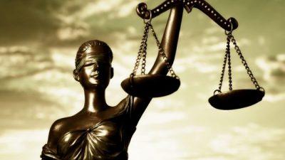 Jueces propios y vergüenza ajena