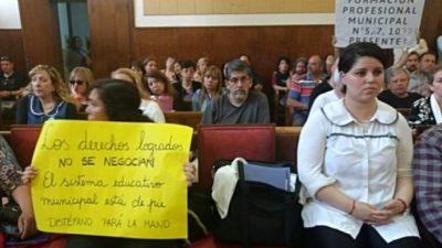 Mar del Plata: El Ejecutivo denunció al Concejo por restablecer la bonificación a los docentes municipales