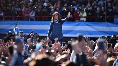 Alta desaprobación a Macri, favorece a CFK en un balotaje