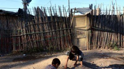 Baños y viviendas inadecuados: el gran déficit para niños de la región Cuyo