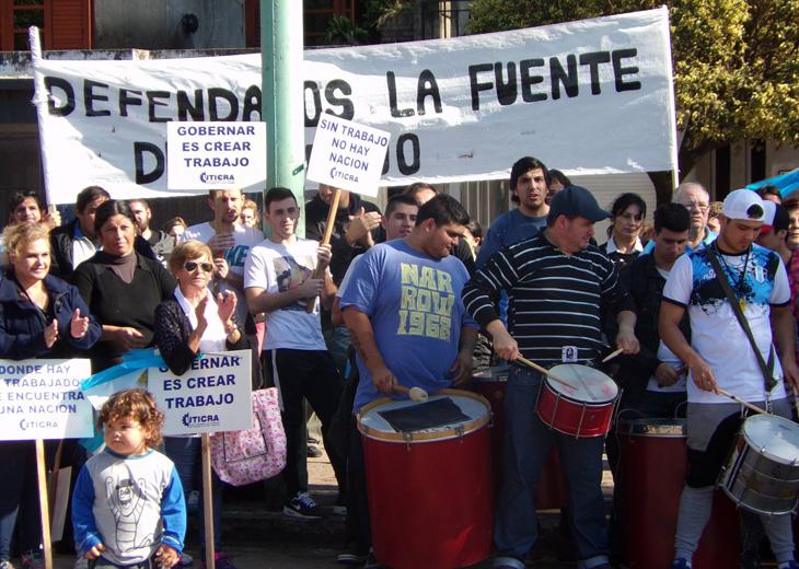 En Acebal, los despedidos de la industria del calzado piden auxilio a la Comuna