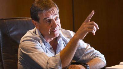El intendente otorgó 25% de aumento a los municipales de Mendoza