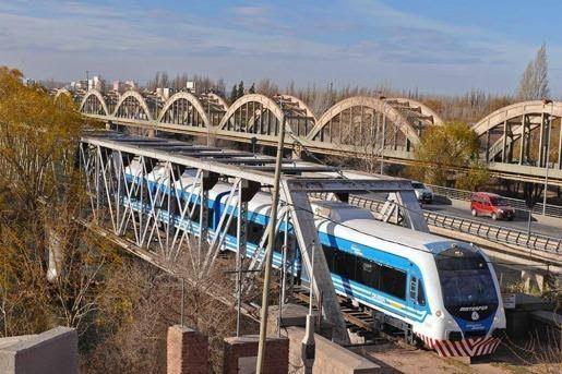"""Desde Regina se reclamó la vuelta del """"Tren del Valle"""""""