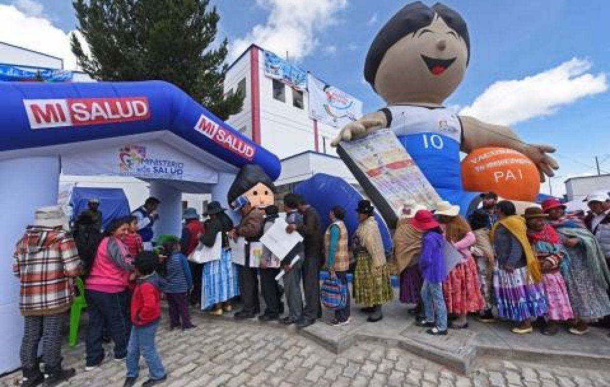 Crece el número de beneficiarios del nuevo sistema de salud en Bolivia
