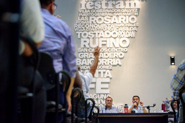 """Municipales santafesinos reclaman con """"urgencia"""" el inicio de las paritarias"""