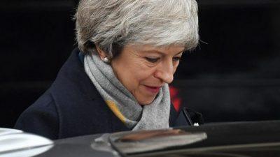 Duro revés de May en el Parlamento británico
