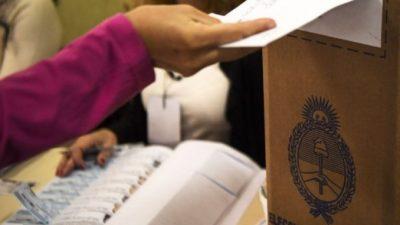 Buenos Aires: En la antesala de otra reunión de la comisión especial, el desdoblamiento de elecciones profundiza la grieta