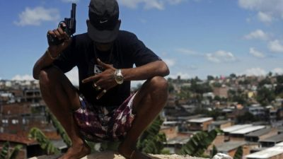 El presidente arma a los brasileños