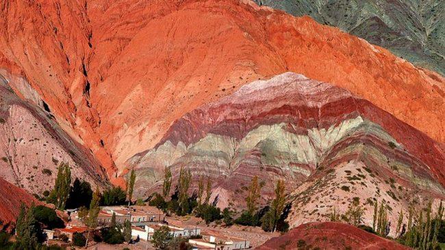 Purmamarca: Una medida cautelar prohibe obras en el cerro de 7 colores