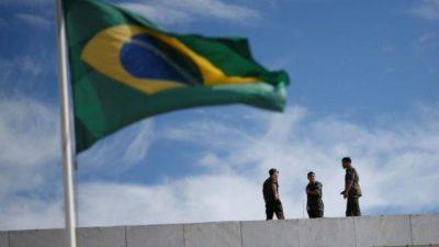 Brasil: De ofrenda, una base militar