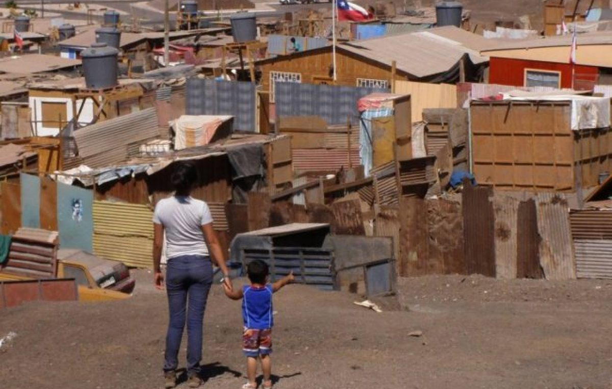 Para los pobres, la inflación del año pasado trepó al 52,9% y para los indigentes fue del 53,5%