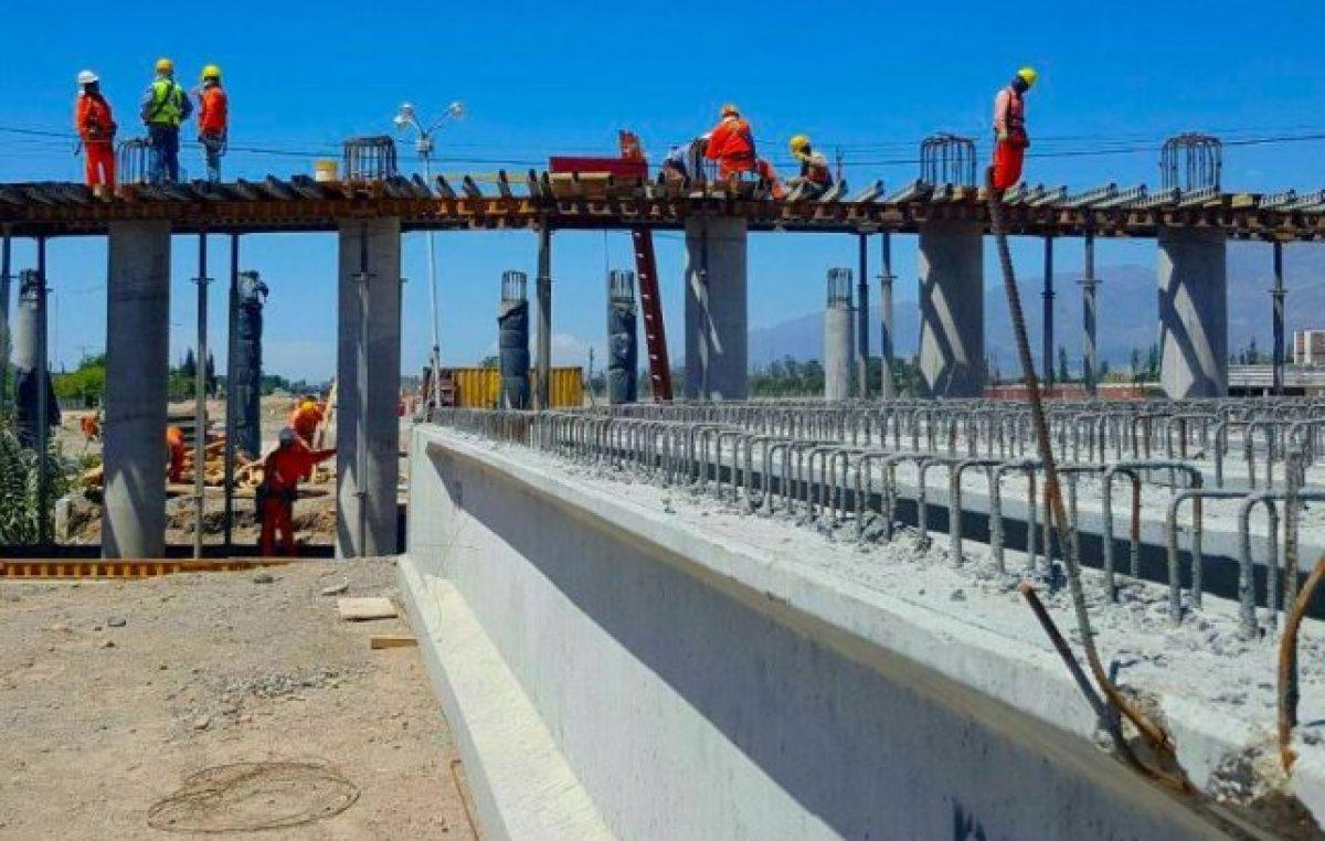 Menos para infraestructura, más para intereses