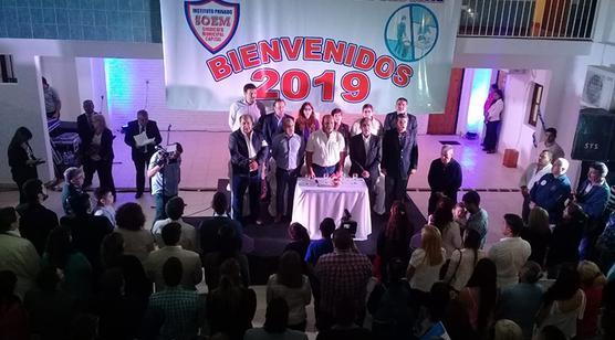El gobernador de Tucumán inauguró un jardín infantil para hijos de municipales capitalinos