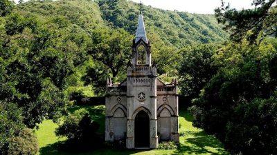 Bella y misteriosa, la capilla de Río Blanco abre las puertas de la precordillera