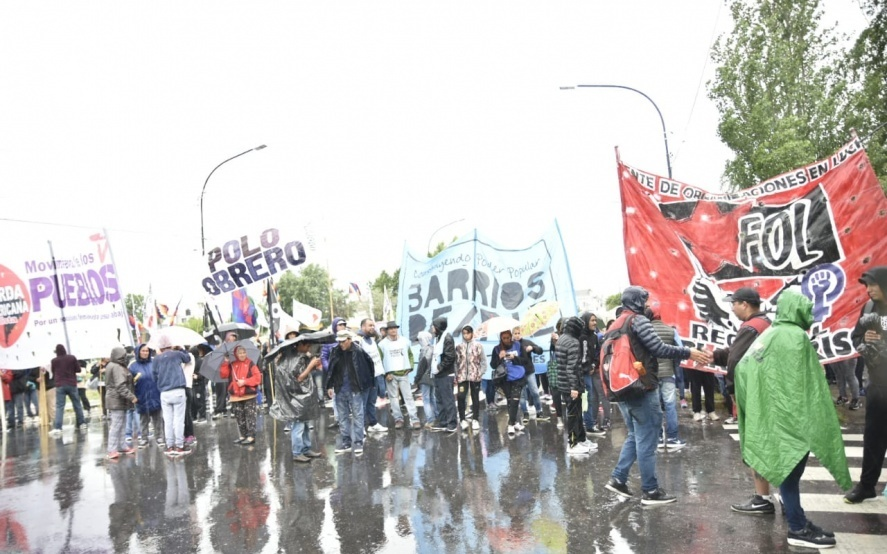 Berisso: movimientos sociales marcharán para exigirle medidas urgentes a Nedela ante la pobreza y desocupación