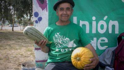 Productores de Bariloche regalaron verduras en respaldo a sus colegas de Buenos Aires