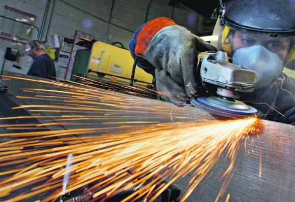 La industria se derrumbó el 8,5% en enero