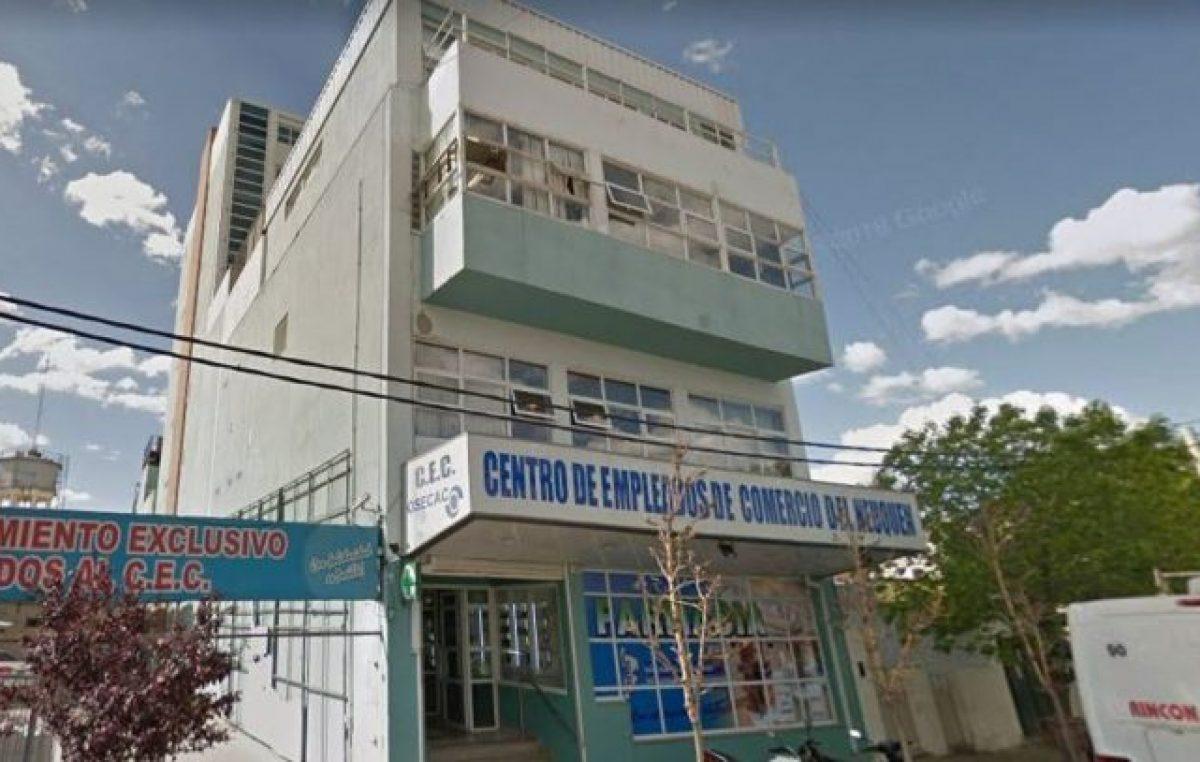 Empleados de Comercio de Neuquén en alerta por numerosos despidos en un hipermercado