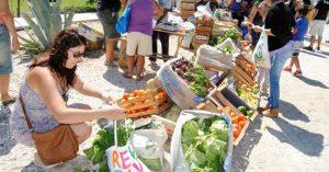 Río Colorado y Valle Medio: Las ferias se consolidan porque los sueldos rinden menos