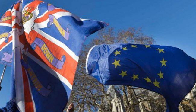El Brexit desangra