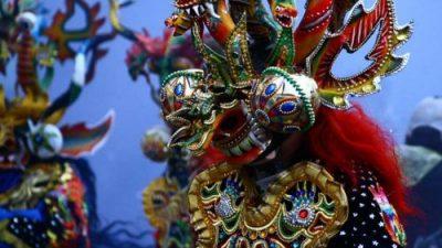 Tiempo de carnaval, coplas, serpentinas y aroma a albahaca