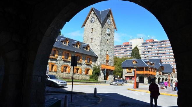 Bariloche moldea candidatos para el municipio, mirando abril de reojo