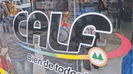 Macri en guerra con las cooperativas eléctricas: se mete en las facturas