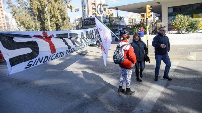 El intendente de Neuquén generó revuelo con una condena antipiquete