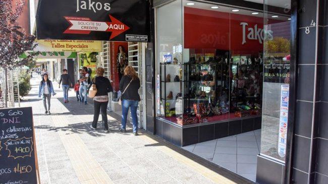 Los comerciantes neuquinos penan por la caída en las ventas