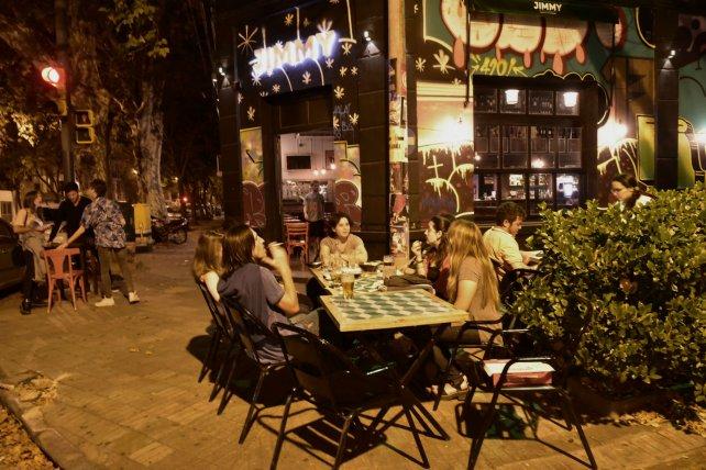 Fuerte caída de la actividad en bares, hoteles y restaurantes rosarinos