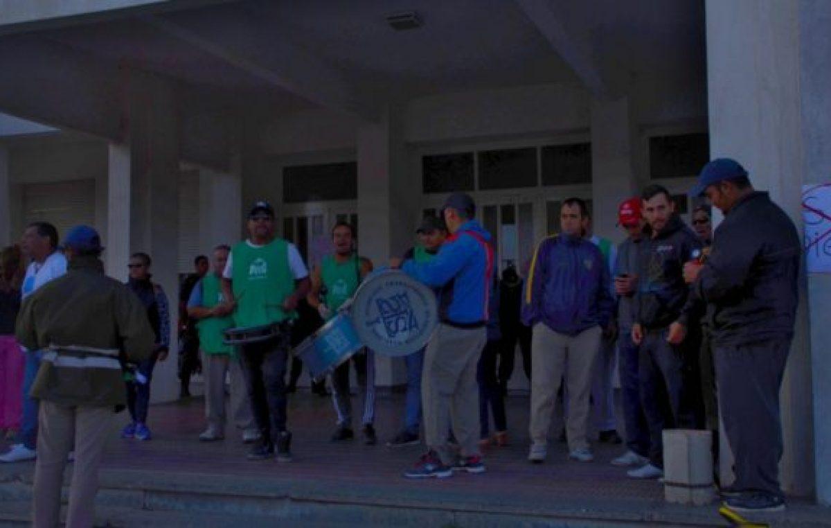 Municipales de Pringles y Saavedra se movilizan para pedir mejoras salariales