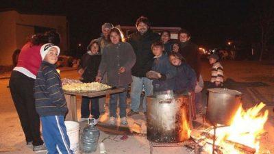 Familias jujeñas se agrupan para comer y abaratar gastos