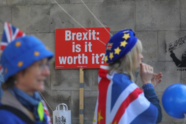 May pidió tres meses más a la UE