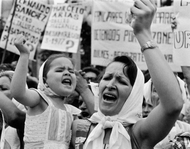 24 de Marzo: la historia de una foto que se convirtió en símbolo de la resistencia