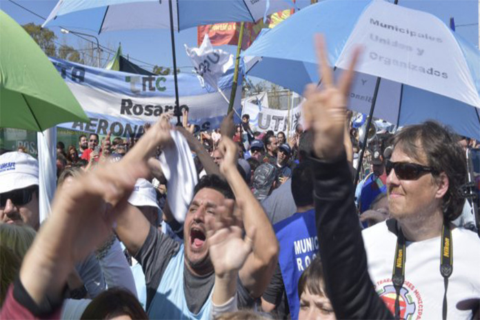 Rosario: Hay 15.700 puestos de trabajo en riesgo