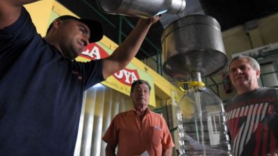 Comprar en la fábrica: un nuevo recurso para ahorrar en los alimentos en Mendoza