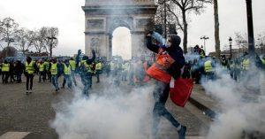 El gobierno de Macron, en la encerrona amarilla