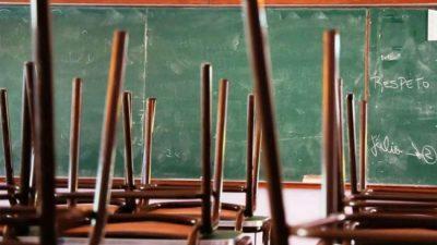 Menos alumnos, más despidos