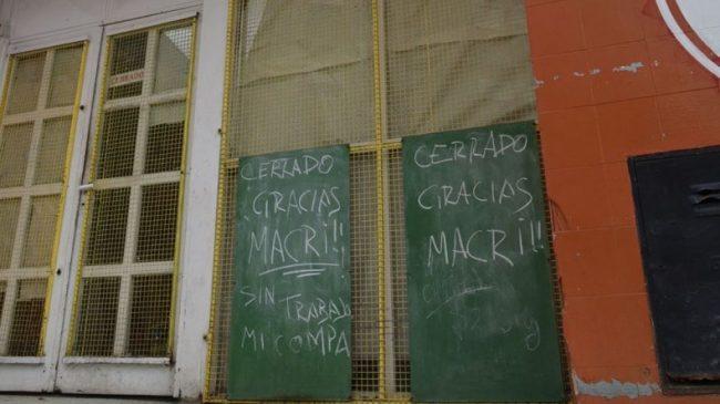 """Frases como """"la culpa es de Macri"""" se viralizan con cada cierre de un comercio en Caleta Olivia"""