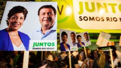Río Negro: Mientras se alejan sus chances de reelección, Macri festeja victorias ajenas