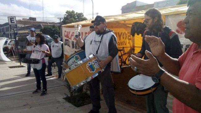 Municipales de Viedma cumple el segundo día de paro