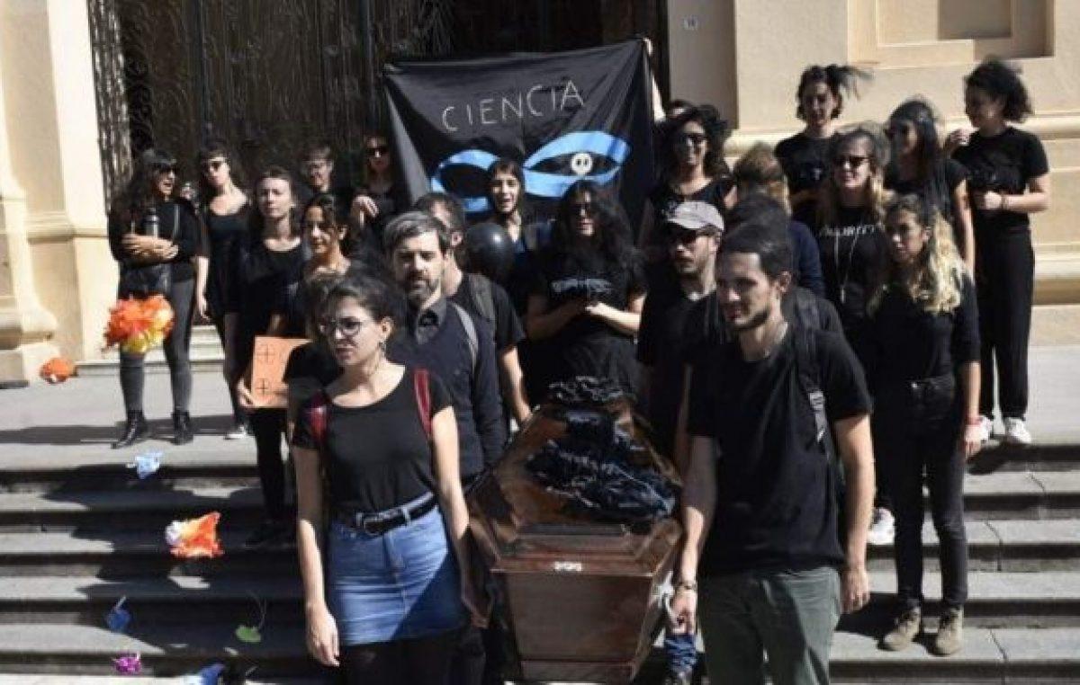 Quedaron fuera del Conicet 84 científicos santafesinos