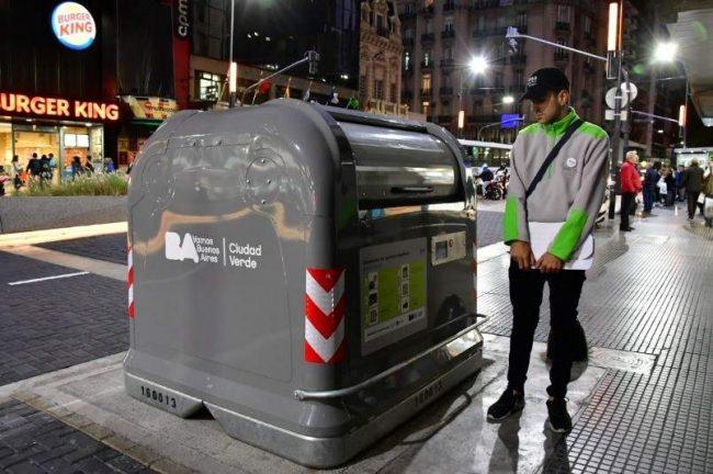 """Buenos Aires: """"Para evitar que la gente se meta y saque basura"""""""