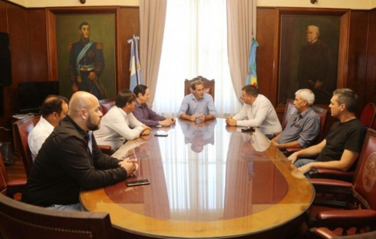 El intendente de La Plata acordó con los gremios y dará un aumento del 30% a los municipales