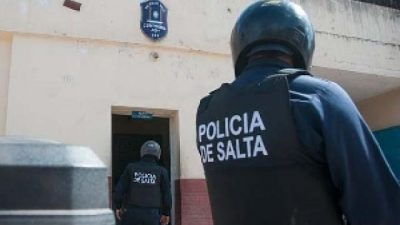 Brutal ataque de la Policía de Salta a municipales y periodistas de Rosario de Lerma