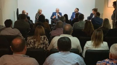 Santa Fe: Baltasar Garzón visitó la sede de FESTRAM