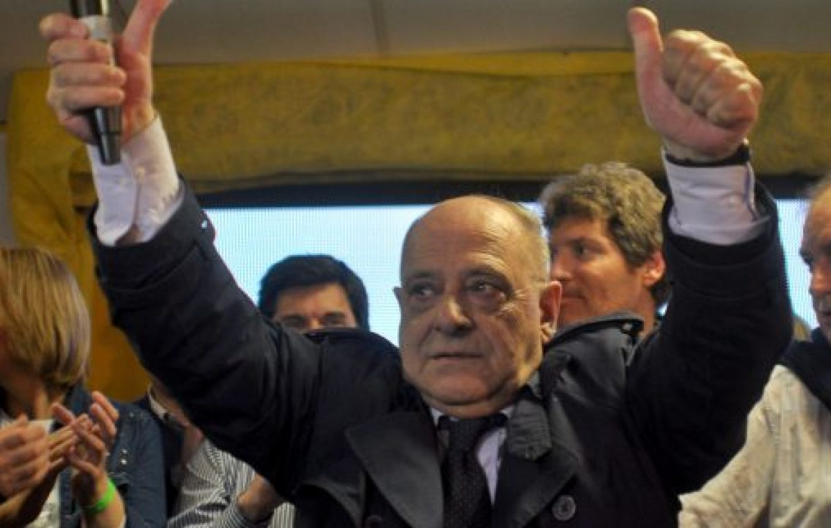 Mar del Plata: Con un sueldo de 336.387 pesos, para Carlos Arroyo lo primero es su familia…